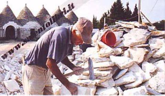 Immagine di CARTOLINA 10 X 17 TRULLARO - CISTERNINO